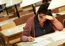 estudiante-en-biblioteca-URL